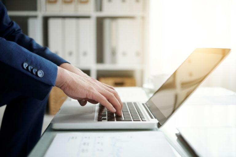 Biznesowy Lenovo ThinkPad L13 o zwiększonym standardzie bezpieczeństwa