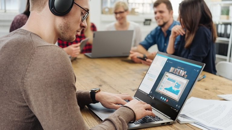 Jaki laptop wybrać do swojej firmy?